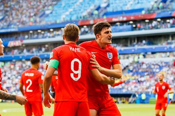 得意のセットプレイが炸裂 イングランドが優勢に