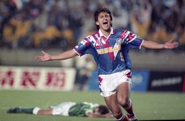1993年JFL1部に優勝し、Jリーグ昇格を勝ち取る